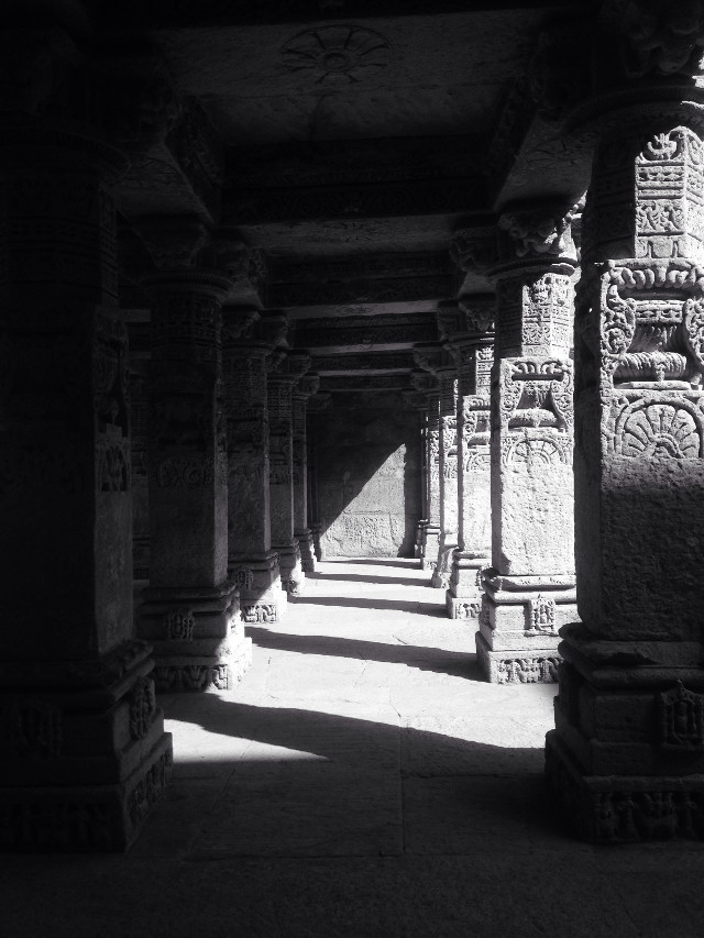 #patan #step well #heritage #world heritage #excavation #blackandwhite #interesting #diagonal #contrast #photography #pillars #inside #array