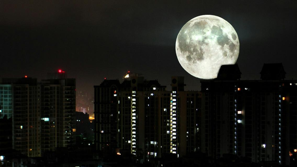 Nighttime Mumbai   #moon #night #dark  #photography #silhouette #mumbai  #india