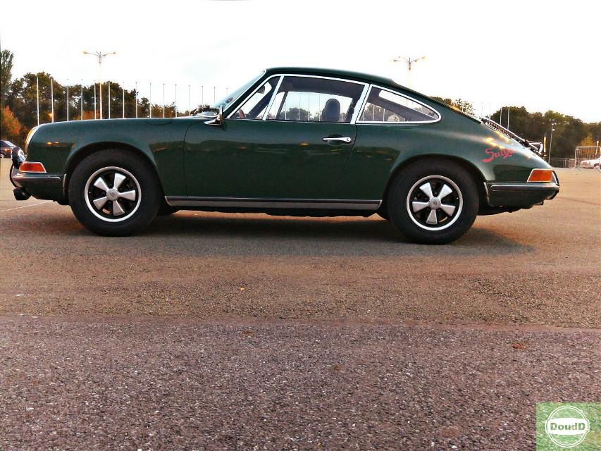 Classic Porsche 911T - 1971 Irish Green #retrocar #vintagecar #classiccar #porsche  #911  #doudd