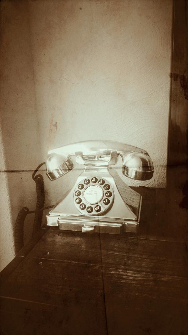 Na tig gesneuvelde huistelefoons met meerdere handsets toch maar weer gekozen voor 1 telefoon met wat meer degelijkheid 💡