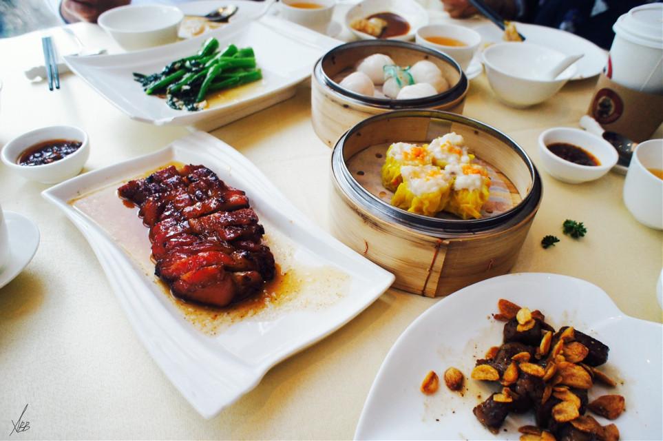 #brunchwithfriends #food #kobebeef #dimsum #vegetables #table #tea #fourseasonresort #hotel***** #lovemoment #oldphoto #hongkong #2015