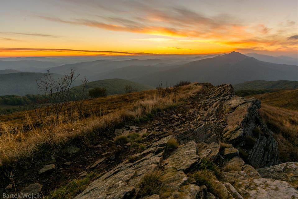 Sunrise in bieszczady Nikon d7100  sigma 10-20  Iso 400 #photo #landscape #nature #poland #emotions  #colorful  #hdr #photography #travel #sunrise