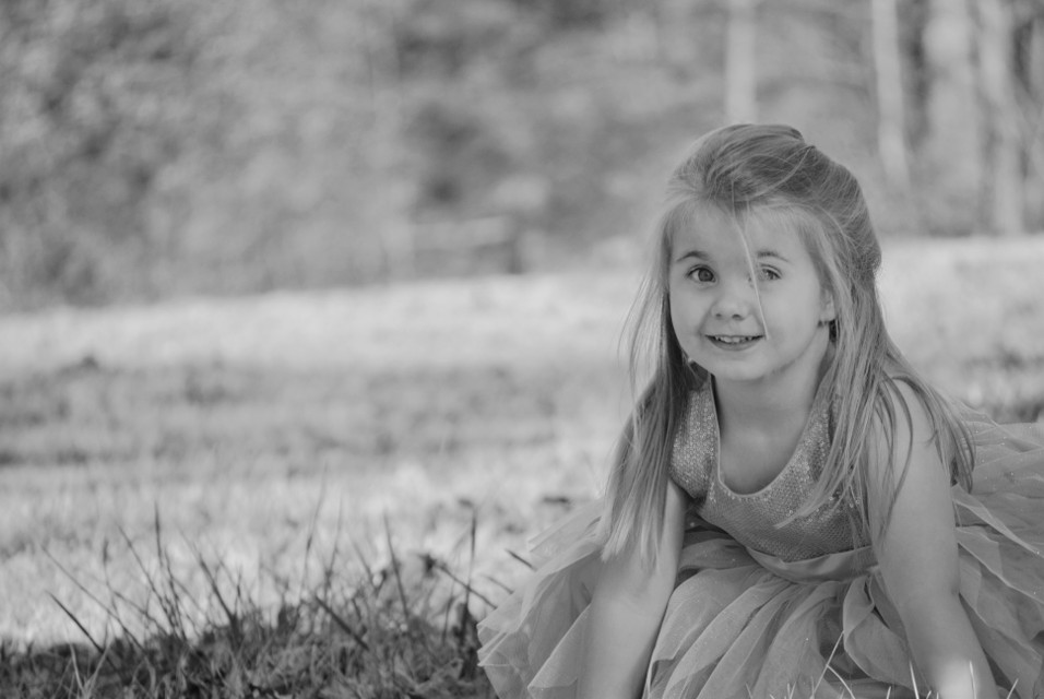 #blackandwhite #cute #people #nature #photography #winter #portraits #face #smiling #portrait #hair #girl #child #bonding #playing #adorable  #FreeToEdit  #remixme