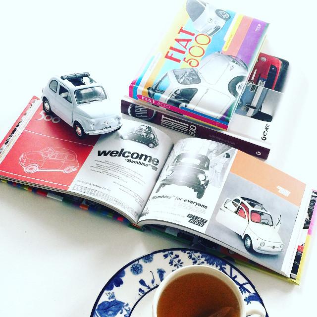 #home #fiat #book #fiat500    #interesting  #italia #italy #vibtage #cars Follow me on #instagram @bonjour_nm