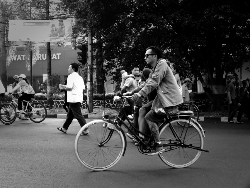 #streetshoot  #bicycle #blackandwhite #stree #streetphotography