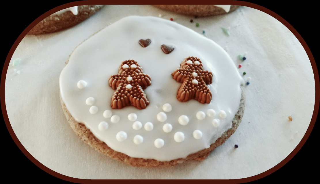 #festive #winter #vintage #snow #photography #people #love #food #emotions #cute #colorful  #gingerbread  #man  #gingerbreadman  #cookies  #icing #Christmas