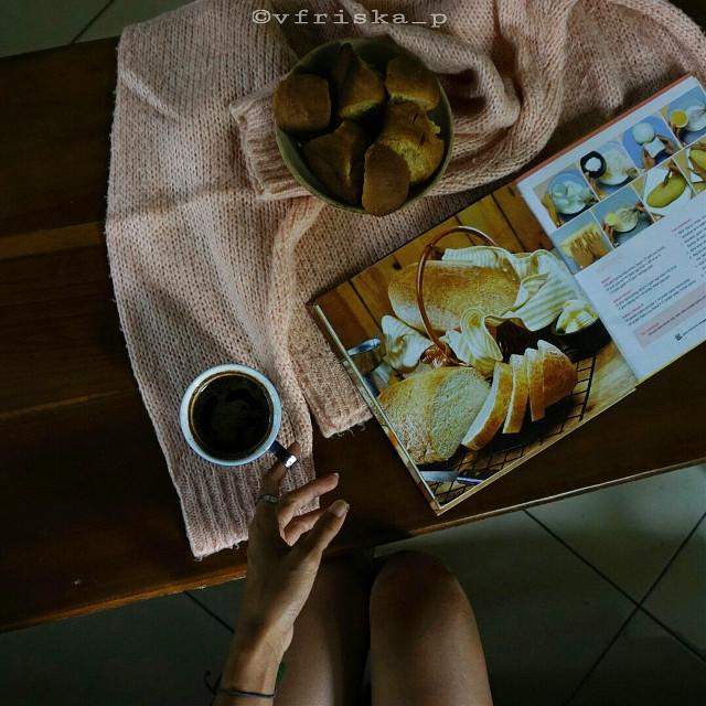Good morning...☕☕ Have a nice day!  #mycoffee_diary #darktone #coffee #coffeelovers #flatlay #onthetable #breakfast #sony #darkness #dark #morning #spring #photography #flower #cute #love #black #myblacktable #goodmorning