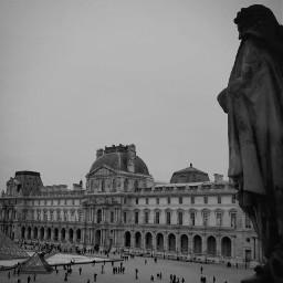 pyamide louvre architecture paris parisbylou