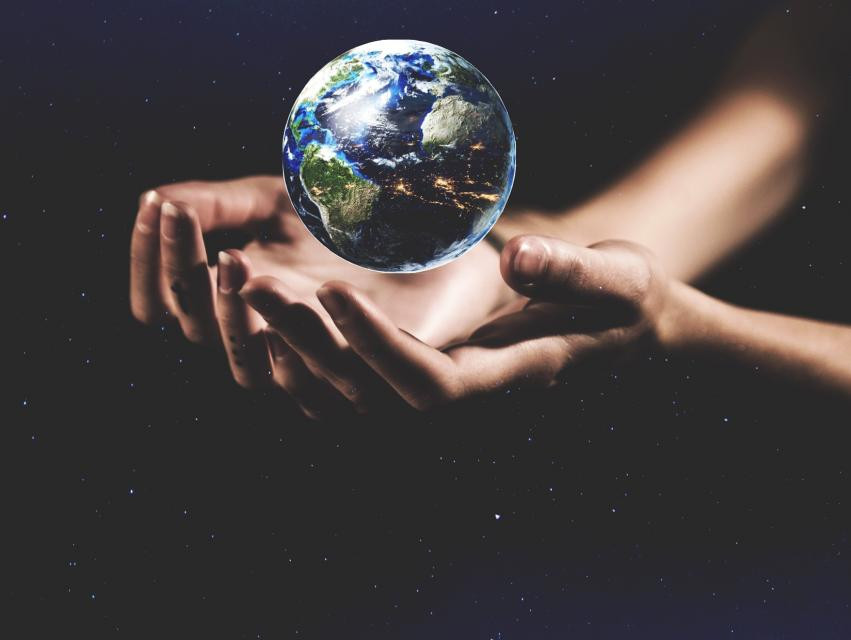 Today's Daily Inspiration is #EarthDay  Loving and respecting the Earth is something every creator should hold dear. The Earth inspires us. It's a photographer's muse and a painter's inspiration. Honor the planet we all share this #EarthDay. (Image by @sahimdabir )